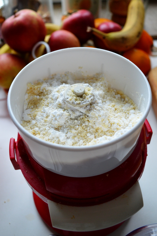 Almond flour and powder sugar