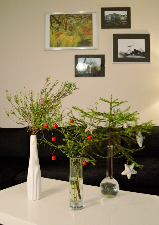 2 women 2 cats -- Christmas vases