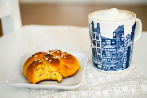 Finnish Saffron Sweet Buns -- 2women2cats